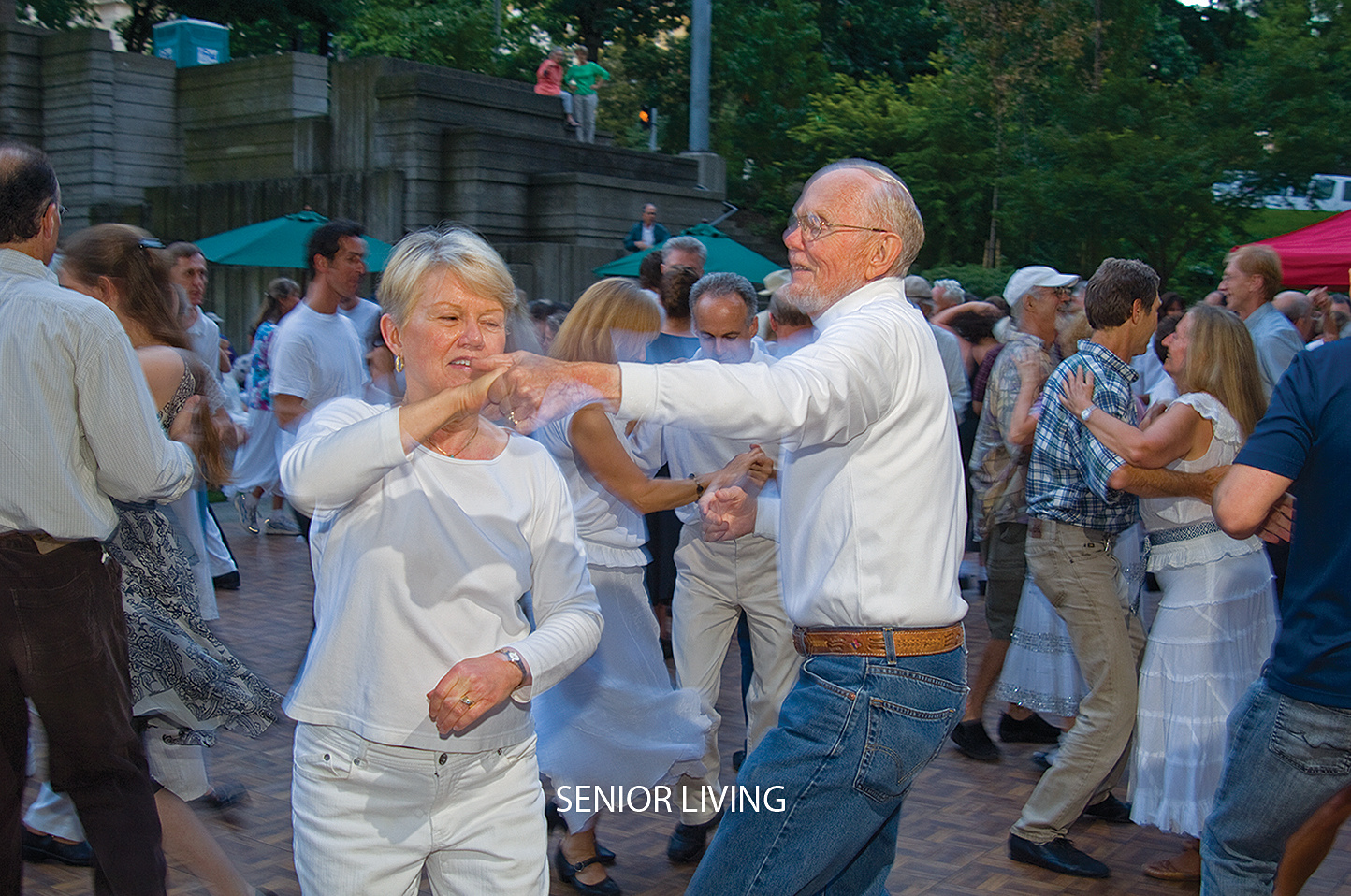 Horizon House  residents enjoy a summer evening dancing in Seattle.